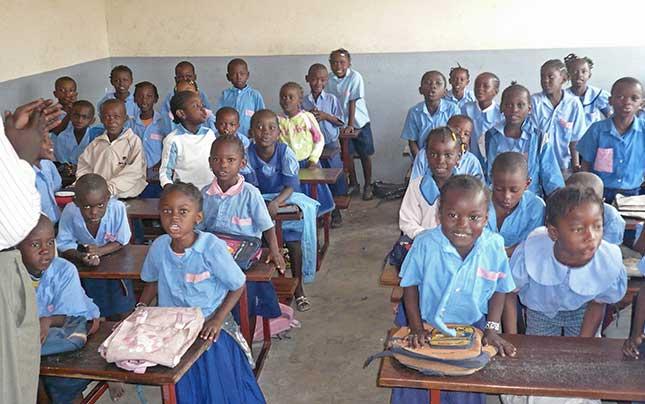 élèves de la maternelle à Sainte Rita à Brazzaville