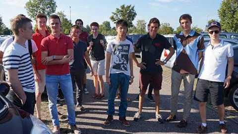 Les étudiants du Foyer de Paris font connaissance avec les frères