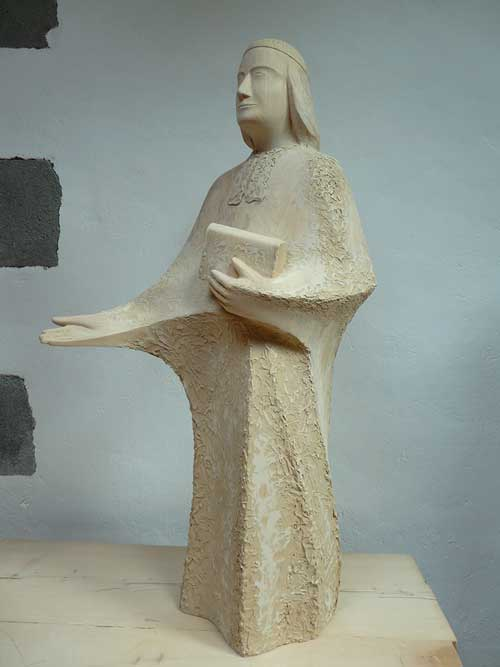 chaminade-statue2