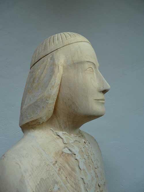 chaminade-statue3