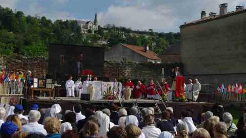 Bicentenaire des Fondations à Agen : la messe