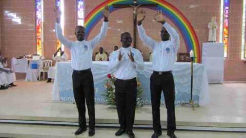 Professions religieuses à Abidjan