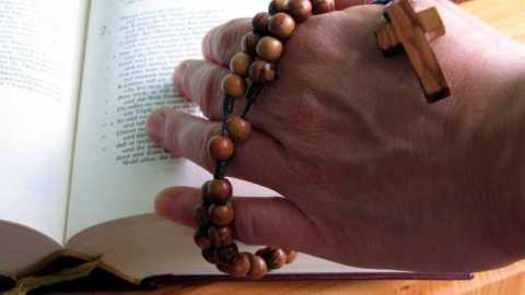 Un rosaire, comme un pèlerinage de foi – La Visitation
