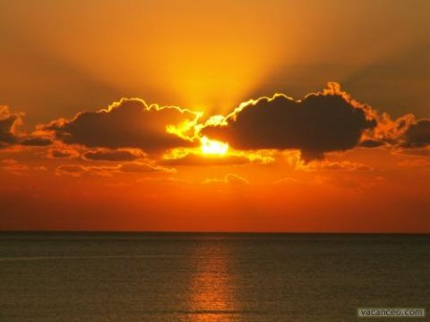 Cinquième mystère glorieux : Marie couronnée au ciel