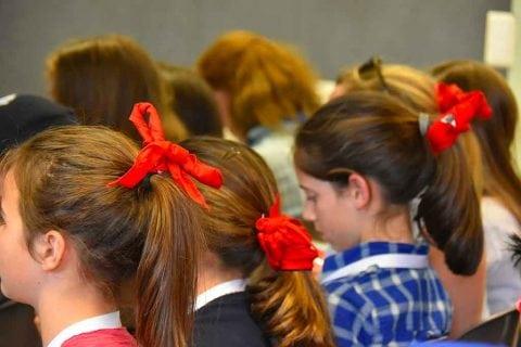 Témoignages pour les jeunes à Lourdes