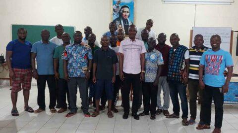 District de Côte d'Ivoire, descends de ton sycomore !